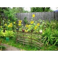 Как украсить сад своими руками